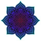 Mandala de la pendiente Ornamento étnico del círculo Elemento redondo indio tradicional exhausto de la mano Alheña espiritual de  foto de archivo