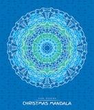 Mandala de Noël avec les éléments décoratifs de vacances sur le bleu Image libre de droits