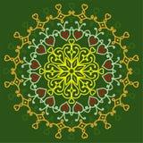 Mandala der Liebe auf einem grünen Hintergrund, ethnische Muster, grüßend Lizenzfreies Stockbild