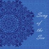 Mandala deseniujący błękitny tło na morskim temacie z skorupami, rybia ilustracja Zdjęcie Stock
