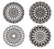 Mandala em um preto e branco Fundo da arte Prática espiritual Imagem de Stock