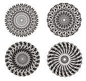 Mandala em um preto e branco Fundo da arte Prática espiritual Fotos de Stock
