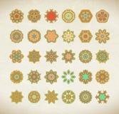 Mandala färgad uppsättning av vektorillustrationen Arkivbilder