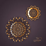 Mandala oriental de fleur ornementale d'or sur le backgrou vinicole de couleur Photos stock