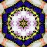 Mandala Talisman av kosmisk energi som läker i djupblått och beige royaltyfri fotografi