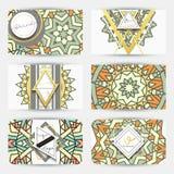 mandala Tarjeta de visita con el ornamento hecho a mano en colores retros Imágenes de archivo libres de regalías