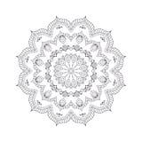 Mandala tiré par la main de fleur pour livre de coloriage Eth noir et blanc Photos libres de droits