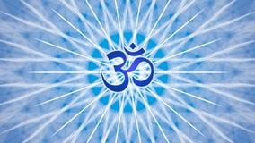 Mandala tournant dans des tons bleus Au milieu du mandala est le signe d'Aum, OM, ohm vidéo illustration stock