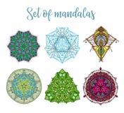 Mandale di simbolo di chakra illustrazione vettoriale - Modello di base del fiore ...