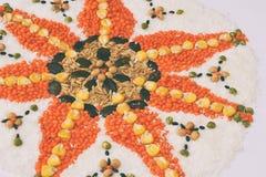 Mandala zboża, adra i ziarna, Bezpłatny pojęcie Kukurudza, koks, ryż, owsy, soczewicy, soje, dyniowy ziarno zdrowa żywność  zdjęcia stock
