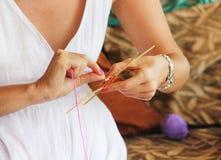 Mandalas de tricotage de classe. Profondeur de champ Photographie stock