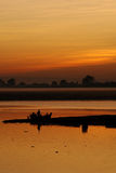 mandalay над заходом солнца реки Стоковые Фотографии RF