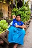 Mandalay - 3 dicembre commercianti nel mercato Fotografia Stock Libera da Diritti