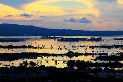Mandalay Irrawaddy flodsolnedgång, Myanmar royaltyfria bilder