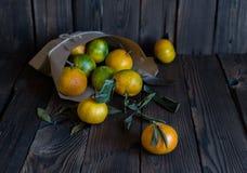 Mandarijnensinaasappelen, mandarins, clementines, citrusvruchten royalty-vrije stock fotografie