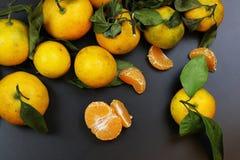 Mandarin het fruit isoleert zwarte Royalty-vrije Stock Foto's
