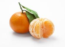 Mandarina aislada en blanco con el camino de recortes Fotografía de archivo libre de regalías