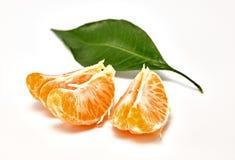 Mandarina madura en un fondo blanco Fotografía macra imágenes de archivo libres de regalías