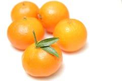 Mandarinas aisladas en el fondo blanco Fotos de archivo
