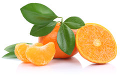 Mandarinas de la mandarina de las frutas de los mandarines de la mandarina aisladas Foto de archivo