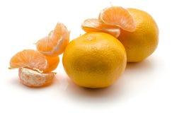 Mandarine d'isolement sur le blanc Images stock
