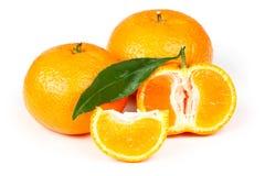 Mandarine fraîche avec des lames Image stock
