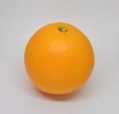 Mandarine mûre avec des feuilles en gros plan Image libre de droits