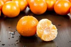 Mandarine sur la table Photographie stock libre de droits