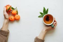 Mandarinefrucht ist geschmackvolles Lebensmittel stockfoto