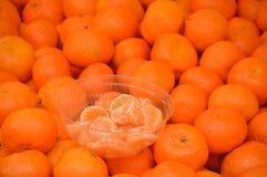 Mandarinen auf dem Zähler Lizenzfreies Stockfoto