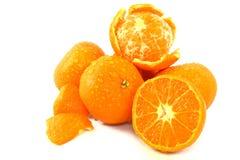 Mandarinen auf Weiß Stockfoto
