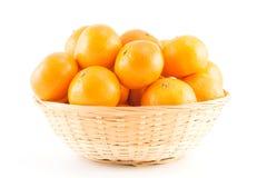 Mandarinen im Korb Stockfoto
