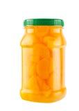 Mandariner i ljus sirap i plast- flaska Royaltyfria Bilder