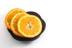 Mandariner på en vit bakgrund arkivbilder