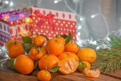 Mandarines dans le temps de Noël images stock
