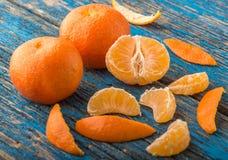 Mandarines na stole Zdjęcia Royalty Free