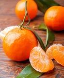 Mandarines sur la table en bois Photos libres de droits