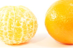 Mandarini arancio maturi isolati Immagine Stock