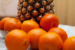 Mandarini ed ananas Immagine Stock Libera da Diritti