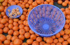 Mandarini sul mercato Fotografia Stock Libera da Diritti