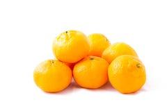 Mandarino del mazzo (mandarino) su fondo bianco Immagine Stock
