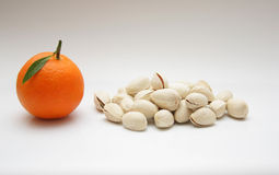 Mandarino e pistacchi Fotografia Stock Libera da Diritti