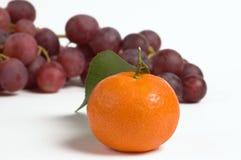 Mandarino ed uva Fotografia Stock Libera da Diritti