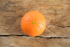 Mandarino (mandarino) su fondo di legno Fotografie Stock Libere da Diritti