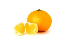 Mandarino maturo su un fondo bianco Immagine Stock Libera da Diritti