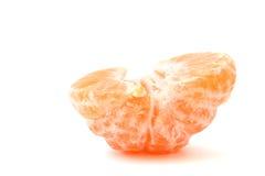 Mandarino sbucciato solo su bianco Immagini Stock Libere da Diritti