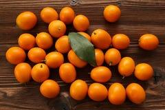 Mandarino sulla tabella Immagine Stock