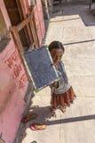 女孩在一所村庄学校在Mandawa,印度 免版税库存图片