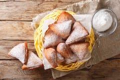 Mandazi, également connu sous le nom de dabo ou noix de coco soudanaise du sud Doughn photo stock
