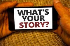 Mande un SMS a la demostración de la muestra cuál es su pregunta de la historia La foto conceptual conecta comunica el fondo h de imagen de archivo libre de regalías